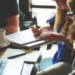 Praca przez internet – plusy i minusy