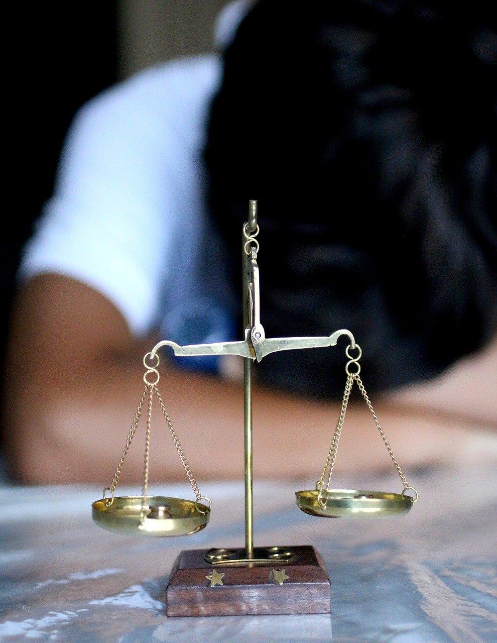 justice-4100373_1280