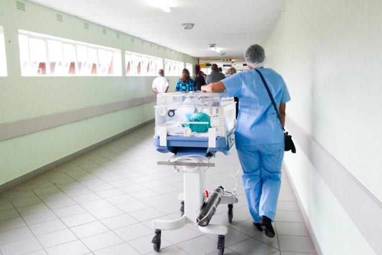 Jak wygodnie pozyskać odpowiedni sprzęt medyczny?