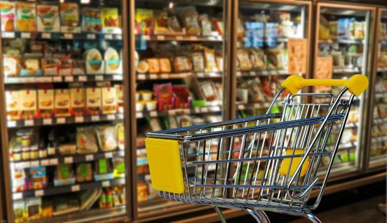 Wiele osób lubi robić zakupy w sklepach takich jak Lidl