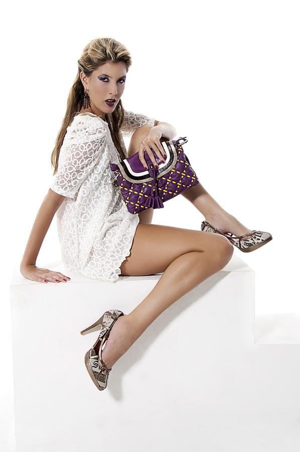 stylowa-torebka-to-niezbedny-element-damskiej-garderoby-img