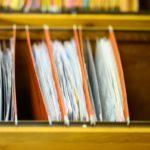 Dlaczego warto archiwizację dokumentów zlecać profesjonalnym firmom?